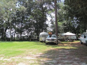 Full hook-up sites, 30 amp, water and sewer at Suwannee River Rendezvous