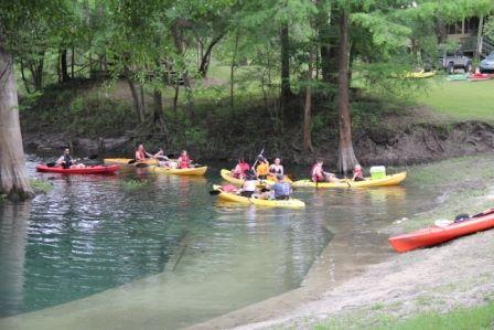 Canoe vs kayak differences and advantages suwannee for Canoe vs kayak fishing